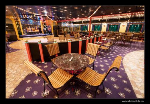 starry night lounge
